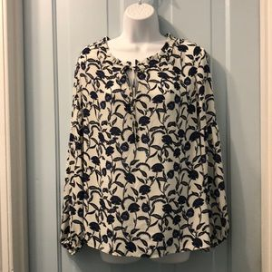 Rose & Olive white and blue print blouse M poly